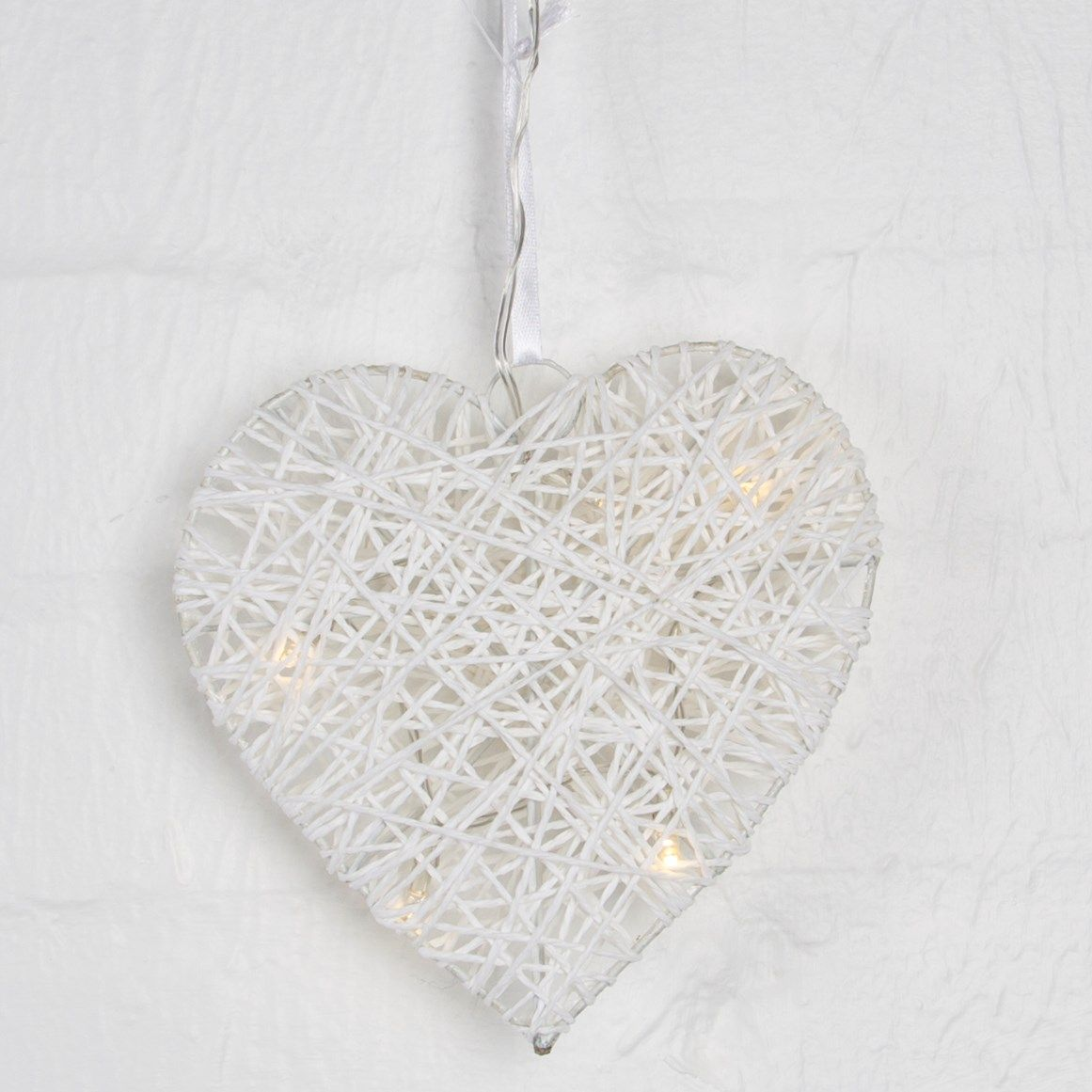 50 Off White Light Up Led Heart Rattan